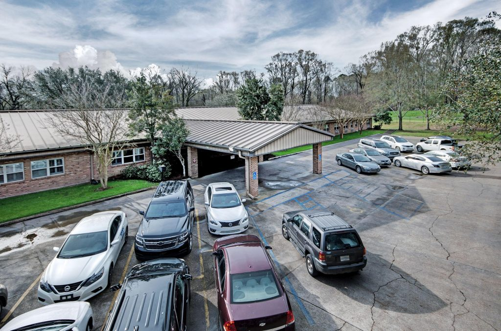 facility-claiborne-county-senior-care-01